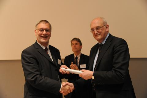 Dr Dick Fenner wins Pilkington Prize 2013 for excellence in teaching